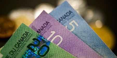 Dolar Kanada Bergerak Turun Jelang Penyambutan Gubernur BoC