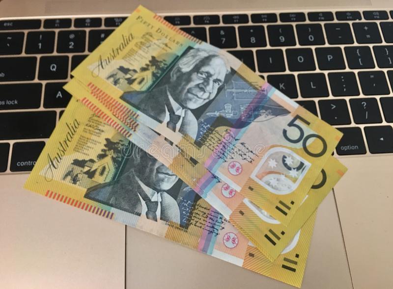 Bank Sentra Australia Bertahan Dengan Kebijakan Lama