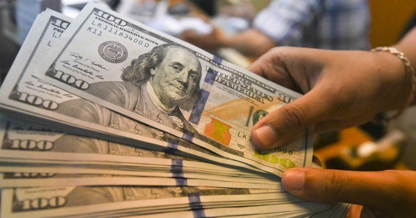 Dolar Melemah Bersamaan Hari Duka Nasional AS