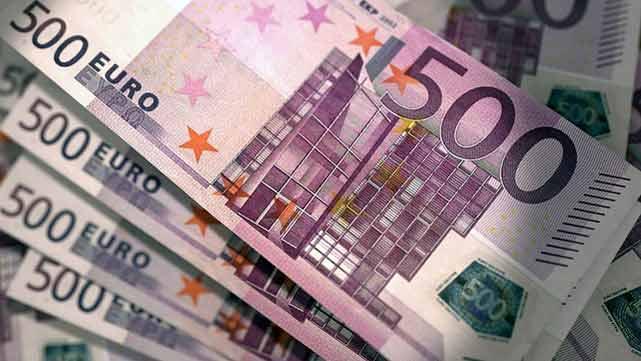 Euro Menguat Akibat Aksi Jual Dolar