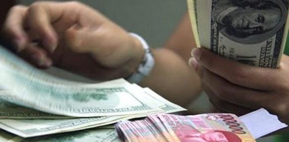 Dolar Anjlok Bersama Memanasnya Konflik Perdagangan AS dengan China