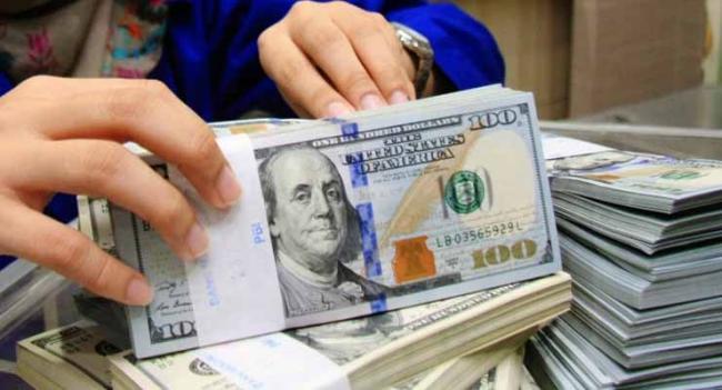 Dolar AS Tergelincir Bersamaan Konflik Dagang AS dengan China