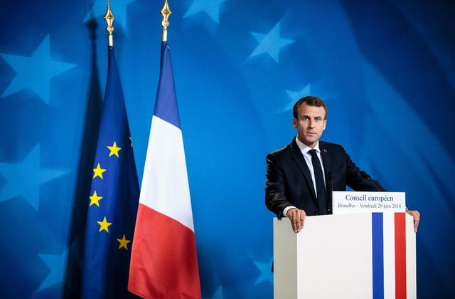 Naiknya Pajak BBM Membuat Popularitas Emmanuel Macron Menurun